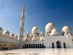 Sheikh Zayed Grand Mosque Center 20