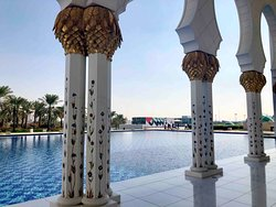 Sheikh Zayed Grand Mosque Center 21