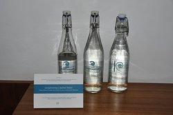 1,5 Ltr kostenloses Kuramathiwasser pro Tag.