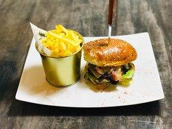 Five burger
