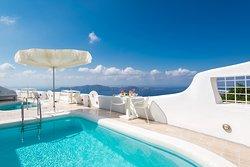 Junior & Superior Suites - shared terrace & Main swimming pool