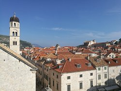 The old town in Dubrovnik was beautiful and architecture was amazing💕