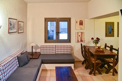 Superior apartment with Sea view balcony. Καθιστικό και τραπεζαρία.