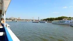 Прогулки на теплоходах по Москва реке