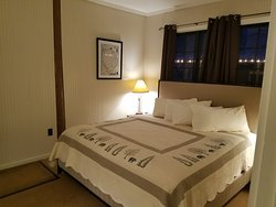 Suite 819 with a King Bed