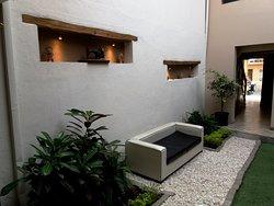 Patio interno del Hotel/Galería: San Rocke House