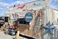 Charlie's Shack food-truck lors de l'événement annuel des 1er vendredis du mois qui se tiens tous les étés au stade olympique de Montréal.