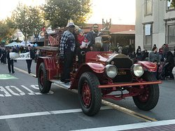 Lake Elsinore Fire engine from yesteryear
