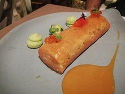 Salmón, muy bueno aunque mucho salmón