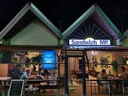 Sandwich Me