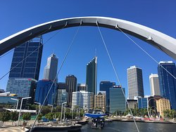 Queen Elizabeth Quay Bridge