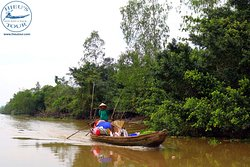 Small on Mekong River| Hieutour's day - www.hieutour.com +84939666156 contact@hieutour.