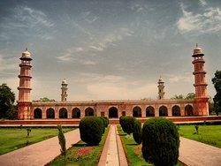 Jehangir's Tomb & Kamran's Baradari Pavilion