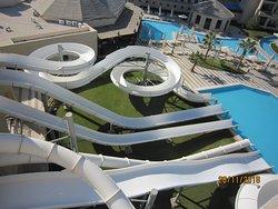 Wasserrutschen mit diversen Möglichkeiten Pool beheizt