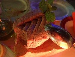 羊肉のパテ。200gくらいありそうな。。。とても美味しいです