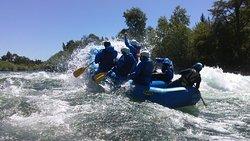 surfiando en el rio trancura....