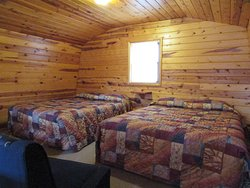 Loft of Cabin 1, 2, 3, 4 and 7 - 2 Queen beds in all their lofts.