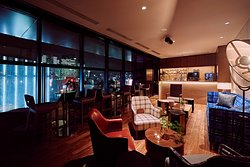 Premium Lounge on 13F. Limited guest staying at THE GATE, Luxe and Canopy can access this lounge and enjoy another special view and atmosphere of Ginza with drinks at evening. All guest can access from 6am to 1pm.