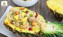 Cơm chiên trái thơm (Fried rice with pineapple juice)