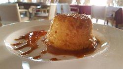 Flan de queso con salsa de membrillo