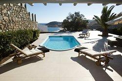 Villa Karali patio