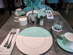 Go lightly. This is breakfast at Tiffany (prices).