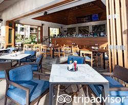 Bar at The Westin Nanea Ocean Villas, Ka'anapali