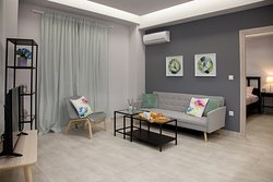 Hip Apartment https://my.matterport.com/show/?m=oXCTDKNrEWs