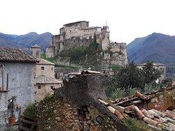 """vista della Rocca Abbaziale detta """"Rocca dei Borgia"""""""