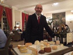 L'incroyable chariot des fromages, à ne louper sous aucun prétexte