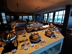 executive lounge - good variety of food for breakfast and evening happy hour.