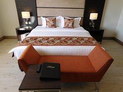 Comfy bed with good mattress, warm duvet and soft pillows