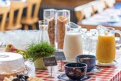 """Frühstücksbuffet mit """"Echt Entlebucher"""" Produkten"""