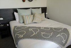 Charming kiwi blanket