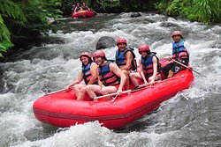 Ayung Rafting during dry season is great fun for the entire family, Just enjoy the wildlife as you meander down a safe river with great staff. If you would like to discover a hidden waterfall than you can find it here, scenery and wild life that you can get here such as rice field, jungle, kingfisher and water fall. If you do Ayung Rafting Bali than you will enjoy Bali rain forest and very well maintain rice field.