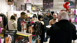 Busy shopping evening at Passion.