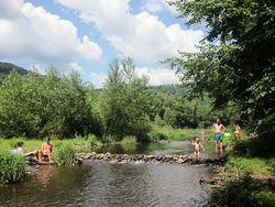 Fun for the whole family at camping La Champagne on the Dordogne