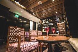 Ten Kings Bar & Lounge
