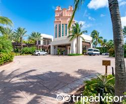 Entrance at The Cove at Atlantis