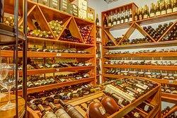 Loja Especializada em gastronomia contemporânea, vinhos nacionais e importados.