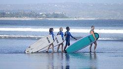 Dani Surf Lessons
