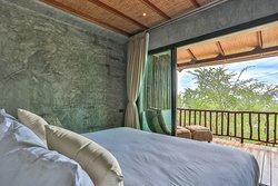 Junior Suite Beachfront -1 Double Bed -2 people