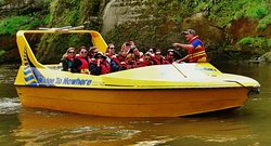 Ben telling day trippers about the Whanganui River