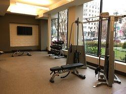 Capital Hilton - New Fitness Center Impression 3