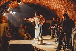 Essential Flamenco
