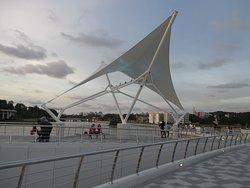 Sultan Omar Ali Saifuddien Pedestrian Bridge