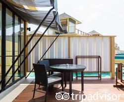 The In-Ocean Sunset Pool Villa at the Angsana Velavaru