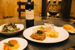 Nhà hàng Hầm rượu vang Bulava 6
