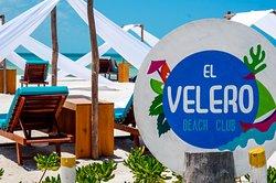 El Velero Beach Club