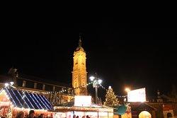Hinter dem Weihnachtsmarkt